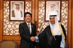 (2013年8月26日、安倍首相はクウェート、ジャービル首相と会談