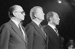 キャンプ・デービット合意、1978年9月5日から9月17日にかけて、アメリカ大統領のジミー・カーターが、エジプト大統領のアンワル・アッ=サーダート、イスラエル首相のメナヘム・ベギンをメリーランド州にある大統領山荘(キャンプ・デービッド)に招待する形で三者会談が行われた。(ウィキペディアより)